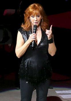 Reba Singing 4